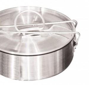 flanera de aluminio de 20 cm, también se consigue en cualquier tienda especializada