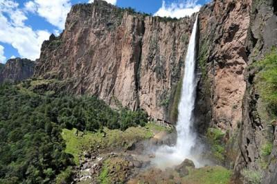 La Cascada de Basaseachi, Piedra Volada y Cusaráre
